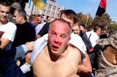 В Сети появилось видео жестокого избиения Шуфрича