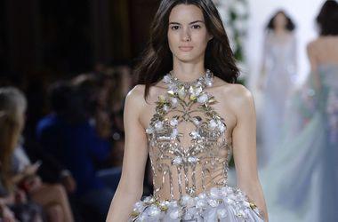 Неделя моды в Париже: Роскошные вечерние платья от Валентина Юдашкина и Эли Сааб