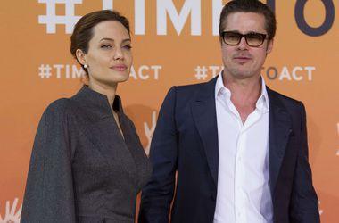 Джоли подарила Питту на свадьбу редкие часы за 2 миллиона долларов