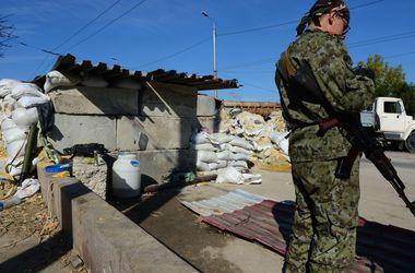 В Луганской области боевики заставляют местных жителей продавать свои дома за бесценок – СНБО
