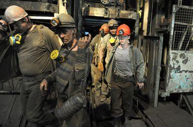 В результате боевых действий в Донецке обесточена шахта Засядько, под землей остались горняки