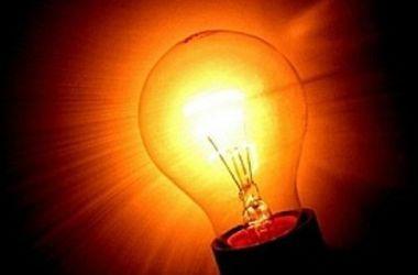 Энергетики Ахметова вернули свет после непогоды 30 тысячам жителей Володарского района