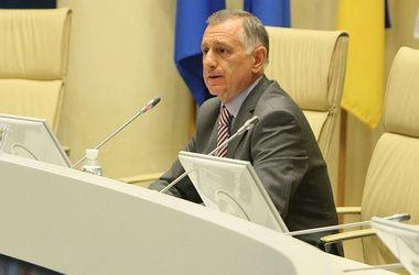 """Вице-президент ФФУ требует расследования обвинений со стороны гендиректора """"Карпат"""""""
