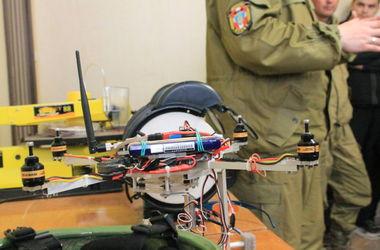 В Луцке презентовали ультрасовременный беспилотник, способный заменить группу разведчиков в АТО