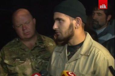 """19-летний боец, которому боевики отрезали руку из-за татуировки """"Слава Украине"""": Они удивлялись, как я выжил"""