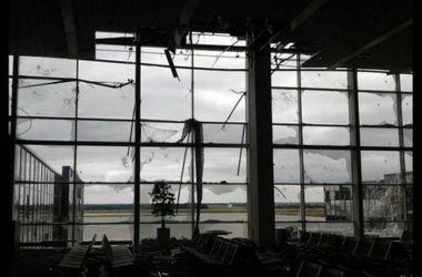 Как украинские военные защищают Донецкий аэропорт: видеорепортаж из самого пекла