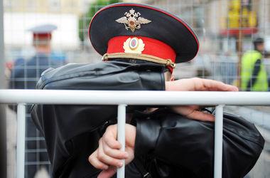 """Крымчанке """"светит"""" 10 лет за разбитый нос и поцарапанную руку полицейских"""