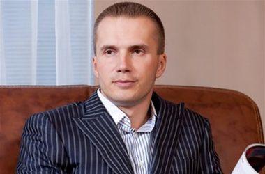 Старший сын Януковича решил заняться недвижимостью в России