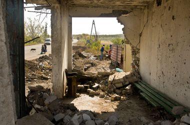 """ИС: Россия перебрасывает войска в Донбасс, а боевики создают """"комендатуры"""""""
