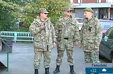 Киевляне-добровольцы круглосуточно патрулируют столицу