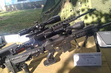 В Минобороны показали раритетные и современные образцы оружия