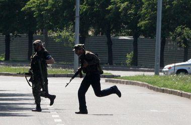"""В Стаханове террористы ввели """"комендантский час"""" – СНБО"""