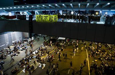 Демонстранты в Гонконге согласились разобрать часть баррикад