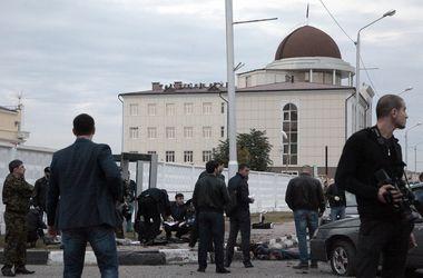 Пять полицейских погибли, 12 пострадали в результате взрыва в Грозном