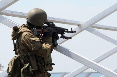 К аэропорту Донецка привезли новую партию российской бронетехники – ИС