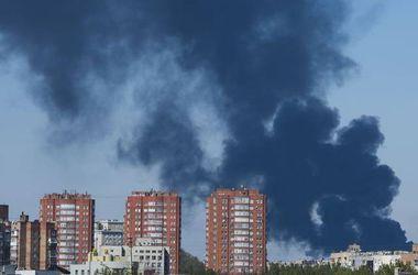 В Донецке за ночь снаряды уничтожили ряд домов, погибли 4 человека