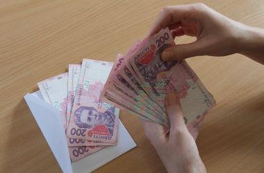 За 2 года киевский чиновник выдал сам себе премий почти на 100 тысяч гривен
