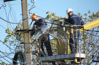 В Мариуполе восстановили электроснабжение после непогоды