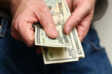 """В Украине процветает """"черный рынок"""" валюты"""