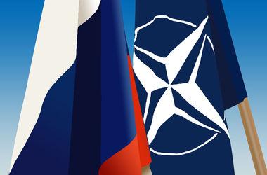 НАТО требует от России прекратить снабжать боевиков в Донбассе