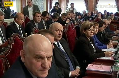 Свои идеи по поводу судебной реформы  озвучил сегодня премьер Арсений Яценюк