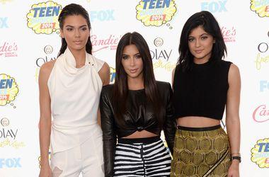 Журнал Time раскритиковали за включение сестер Кардашья в рейтинг самых влиятельных подростков