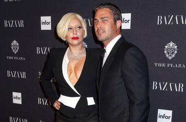 """Леди Гага и звезда """"Дневников вампира"""" Тейлор Кинни пообещали сыграть свадьбу в следующем году"""