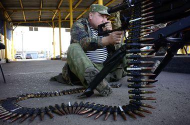 В Донецке не стихают мощные залпы и взрывы