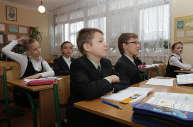 В киевских школах продлили осенние каникулы