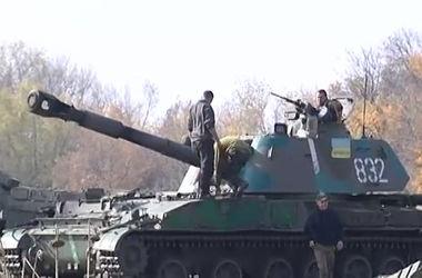 """Как бойцы 93-й бригады обеспечивают огневую поддержку """"киборгам"""" в Донецком аэропорту"""