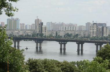 В субботу на мосту Патона в Киеве ограничат движение