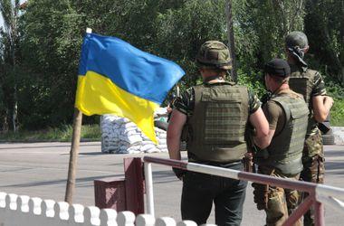 Проводится операция по спасению военных, попавших в засаду возле села Смелое