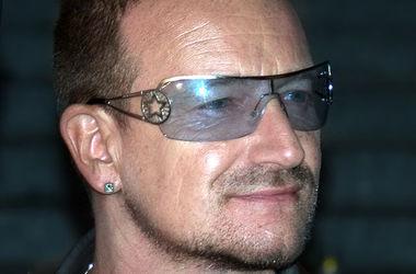 Боно признался, что носит темные очки из-за глаукомы