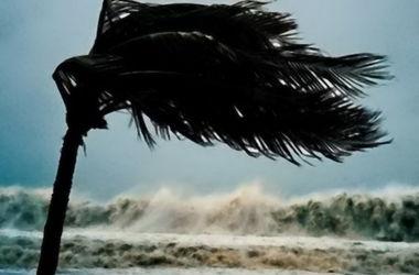 """Тропический шторм """"Ана"""" усилился до урагана"""