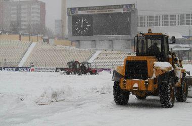 Матч чемпионата России по футболу отменили из-за снегопада