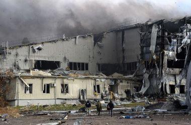 """Порошенко рассказал, как боевики """"в наркотическом дурмане"""" идут на штурм донецкого аэропорта"""