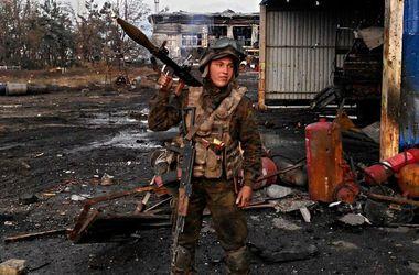 Бой за аэропорт: террористы понесли потери и отступили