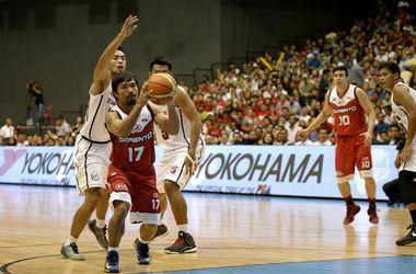 Чемпион мира по боксу Мэнни Пакьяо дебютировал в чемпионате Филиппин по баскетболу