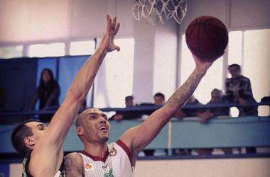 Чемпион Украины потерпел поражение в Запорожье