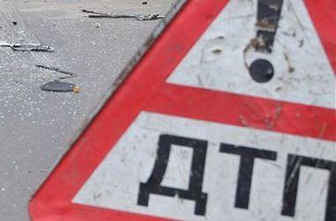В Киеве внедорожник протаранил маршрутку, пострадала женщина