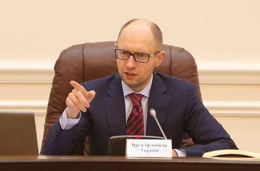 """Яценюк о газовых договоренностях: """"У меня нет оснований верить Путину"""""""