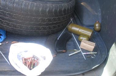 На въезде в Харьков обнаружили напичканное гранатами авто