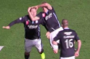 Шотландские футболисты взорвали интернет празднованием гола