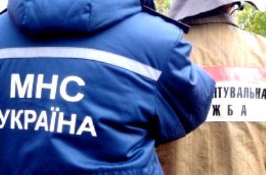 Под Киевом ребенок чудом выжил, упав в ливнесток