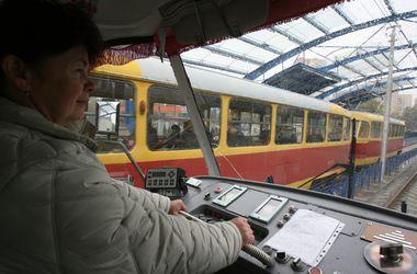 Киевские трамваи будут чистить снег