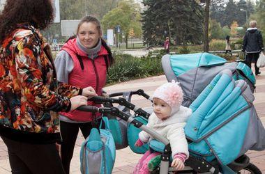 """Гуманитарные наборы в рамках проекта Рината Ахметова """"Поможем детям"""" продолжат выдавать на этой неделе"""