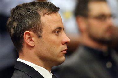 Оскар Писториус приговорен к пяти годам тюрьмы за убийство своей девушки