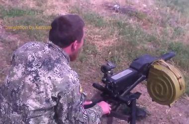 В сети появилось видео, как боевик Моторола обстреливает террористов