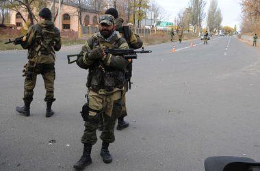 В Донецке временное затишье, но на улицах много боевиков