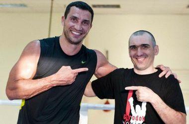 Готовиться к бою против Пулева Кличко помогает рекордное количество украинцев